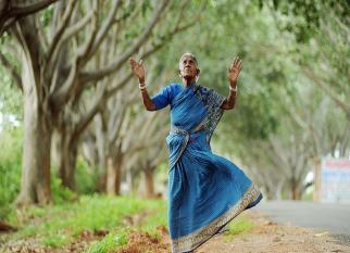 Ela tem 150 anos e já plantou 300 árvores que são os filhos que não pode ter. Boa história!  Confira!