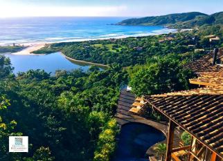 QUINTA DO BUCANERO – Imbituba - Sem nenhum exagero, a vista do alto da Praia do Rosa, os 17 mil m2 de área verde, o cuidado com cada detalhe, faz da QUINTA DO BUCANERO um lugar especial, para quem gosta de ser surpreendido, para quem quer garantir a sensação de bem-estar, o clima romântico... Confira!