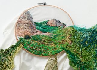 A artista peruana ,  Ana Teresa Barboza usando bordado, fios e lã cria paisagens inspiradas na natureza.Confira!
