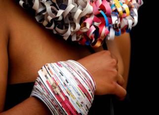 Projeto QUAZI DESIGN – modificando a vida de centenas de mulheres na África a partir de EcoJóias feitas a partir com revistas que seriam descartadas. Confira!