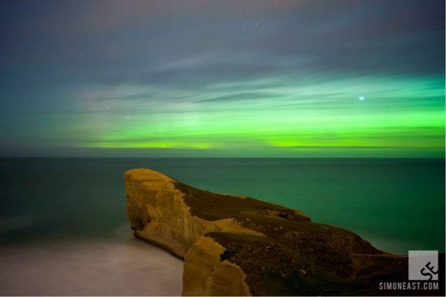 Aurora Australis. Foto tirada em 2012, nas primeiras horas da manhã no sul da Nova Zelândia.