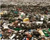 E nos nossos oceanos, plástico, plástico ….